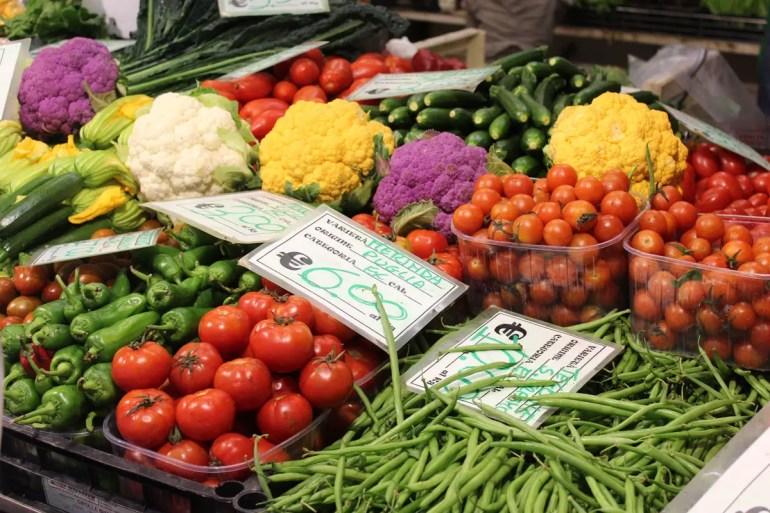 Buntes Gemüse auf dem Markt