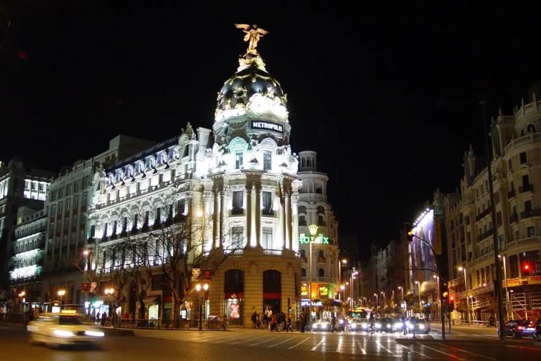 In Madrid gibt's an Silvester zu jedem Glockenschlag eine Weintraube