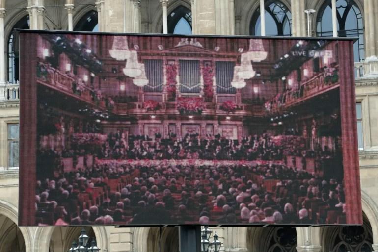 Immer am Neujahrsmorgen wird am Rathaus das Konzert der Wiener Philharmoniker übertragen