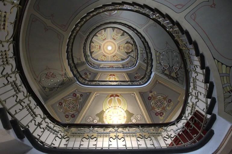 Die Treppe ist der Hingucker in Rigas Jugenstilmuseum