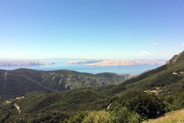 Die Adria-Magistrale in Kroatien bietet tolle Ausblicke aufs Meer