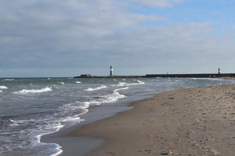 Im Winter hast du den Strand selbst bei bestem Wetter fast für dich allein