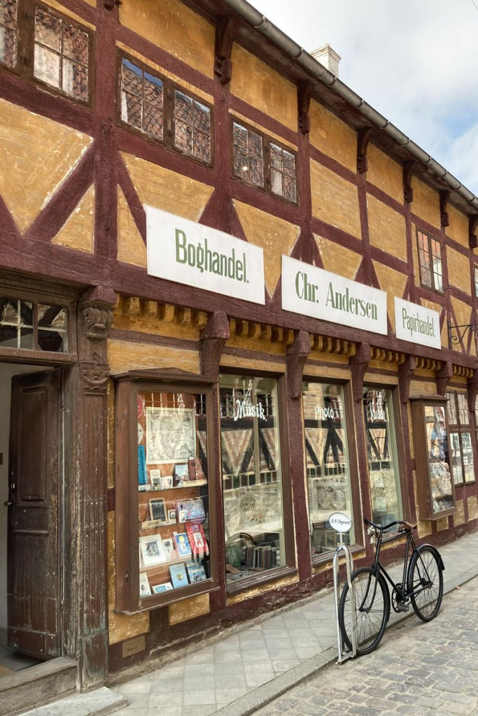 Ein alter Buchladen im Freilichtmuseum