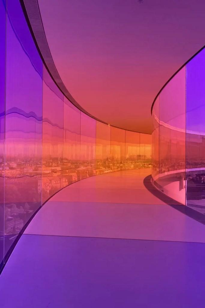 Unterwegs im Regenbogen im ARoS Kunstmuseum