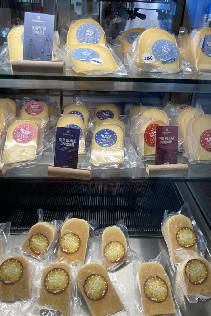 Den Käse der Hafenkäserei kannst du auch nach Hause mitnehmen