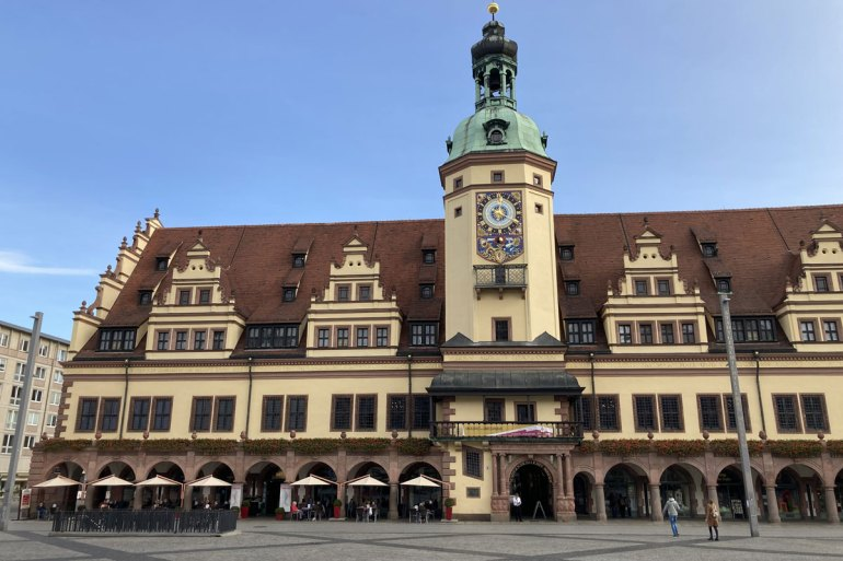 Bekanntes Wahrzeichen der Stadt: das Alte Rathaus am Markt