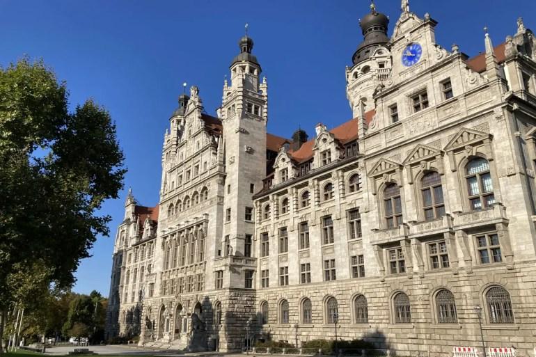 Leipzig Neues Rathaus erinnert an eine Burg
