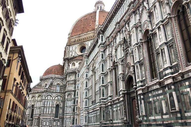 Die Kathedrale Santa Maria del Fiore ist das Wahrzeichen von Florenz