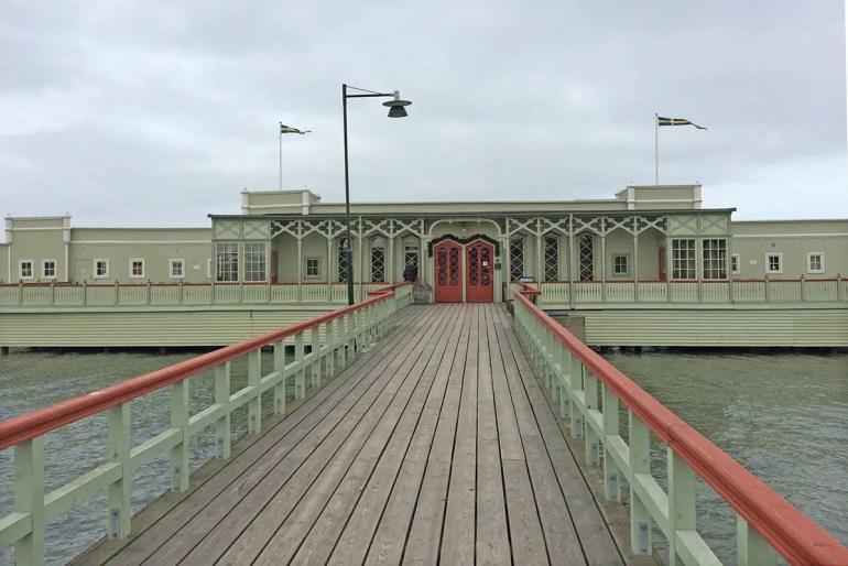 Das 1898 eröffnete Kaltbadehaus Ribersborg ist eines der Wahrzeichen von Malmö