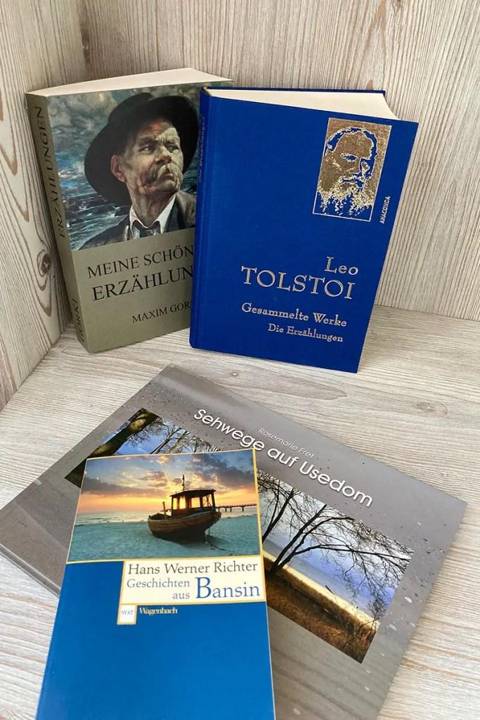 Auf dem Nachttisch findest du die passende Tolstoi-Lektüre