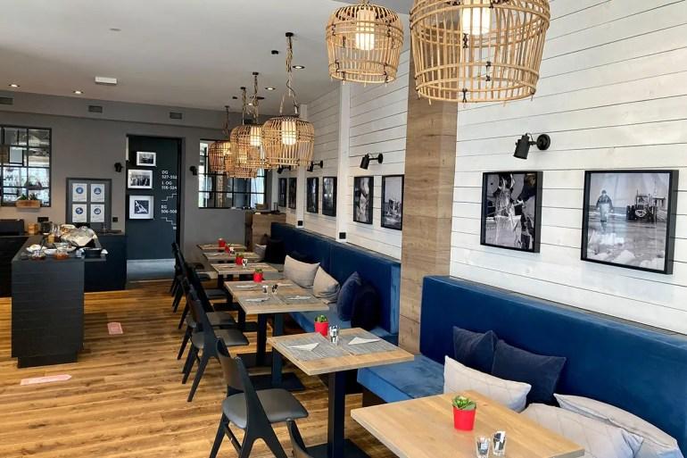 Maritimes Flair gibt's auch im Frühstücksraum im Hotel Boje 06 in Heringsdorf