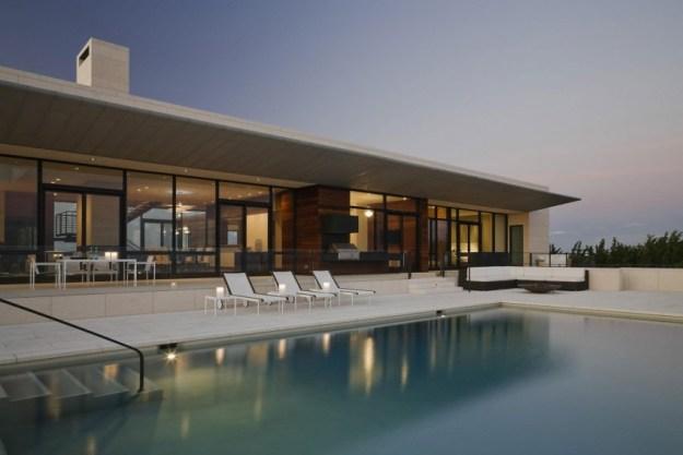 Southampton Beach House by Alexander Gorlin Architects 01