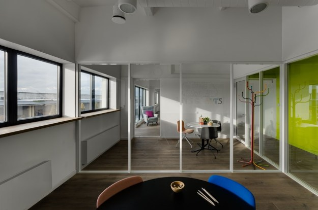 Industrial Office by DO ARCHITECTS 16