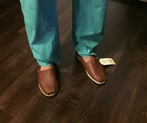 Men's leather Toms in brown