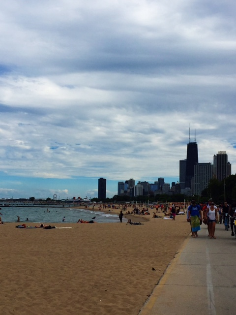 Chicago Summer - Run along the lake - view of the city