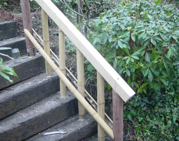 Build Bamboo Fences My Japanese Garden   Wooden Handrail For Garden Steps   Stone Step   Free Standing   Metal   Wrought Iron   Front Door Step