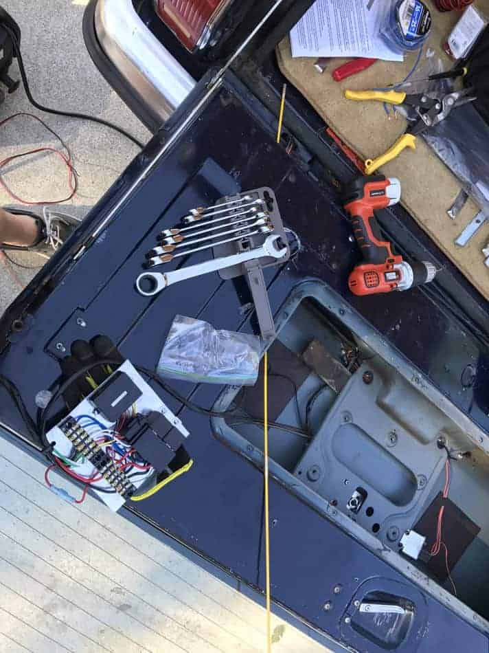Fix Your Jeep Grand Wagoneer Tailgate My And Me Rover 25 Wiring Diagram Window