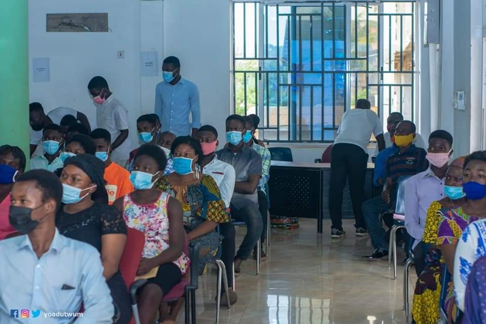 Yaw Adutwum sponsors 30 engineering students from Bosomtwe at UMaT - MyJoyOnline.com