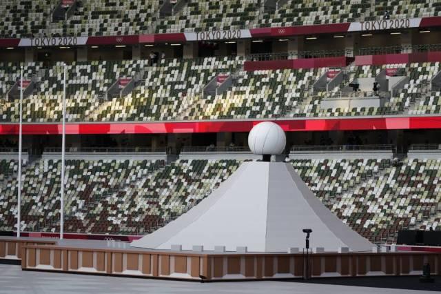 टोक्यो 2020: खेल बिना धूमधाम के खुले