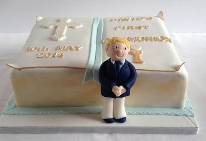 10 Inspirational Ideas For Homemade First Communion Cakes