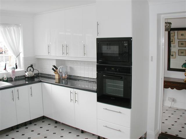 kitchen cabinet stores backsplash high gloss - my interior ...