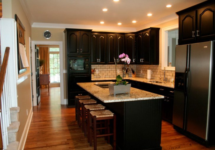 Painting Kitchen Cabinets Dark Color