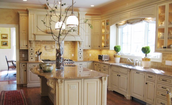 Tuscan Style Kitchen Cabinet with White and Wooden Tone ...