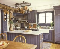 Historic Colonial Style Kitchen Design Blended with ...