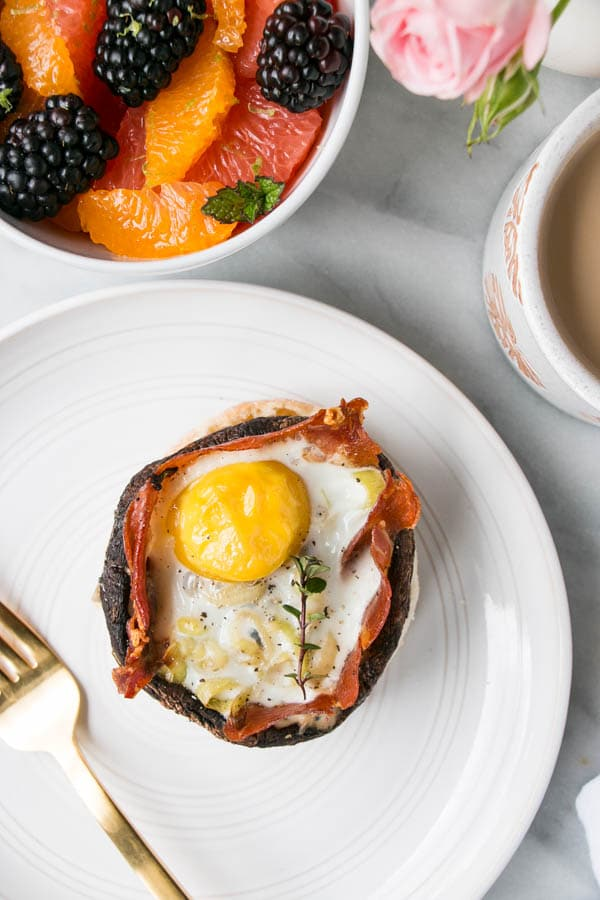 Portobello Mushroom Baked Eggs with Leeks, Prosciutto and Thyme | My Kitchen Love