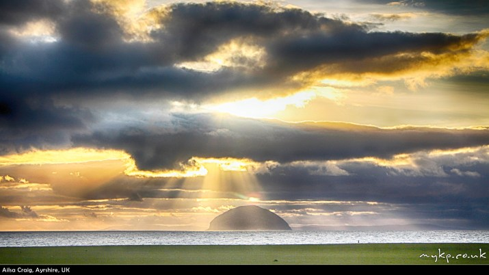Free-windows-desktop-backgrounds-ailsa-craig-by-mykpcouk