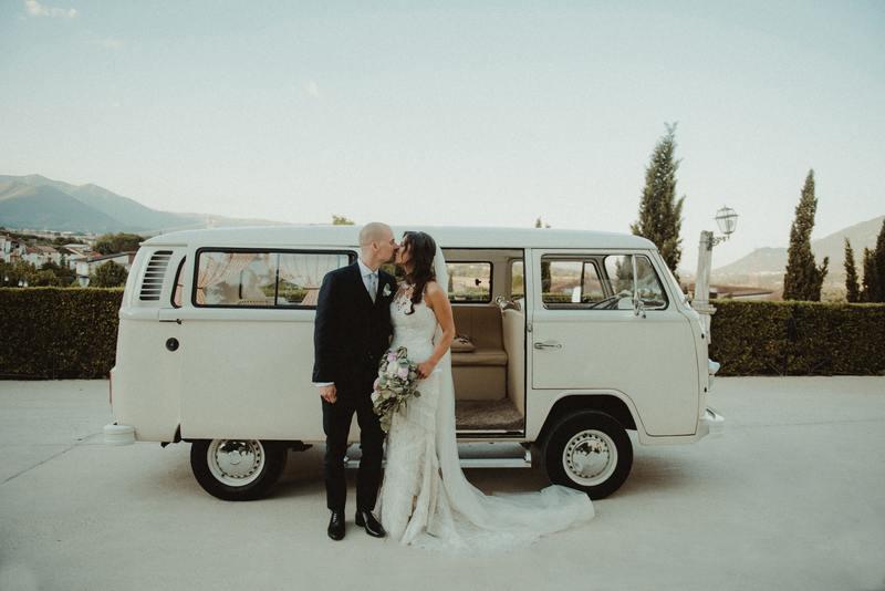 van couple voyage