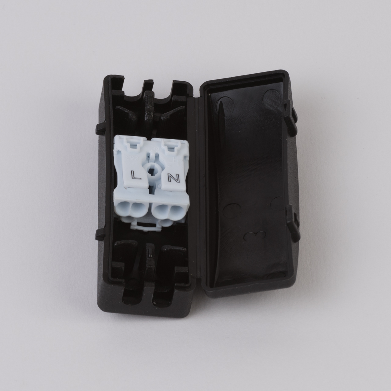 hight resolution of connector junction box 2 pole