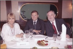 Le maire et Bogdan avec Mylène