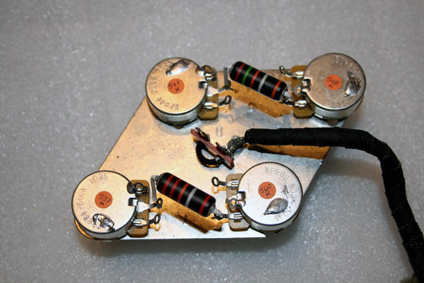 Mod Garage Decouple Your Les Pauls Volume Controls 20140718