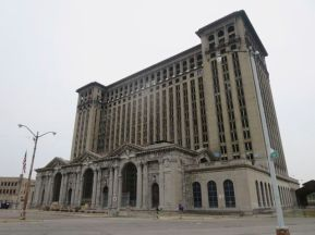 Michigan Central Station was once the world's tallest train station at 17 stories.
