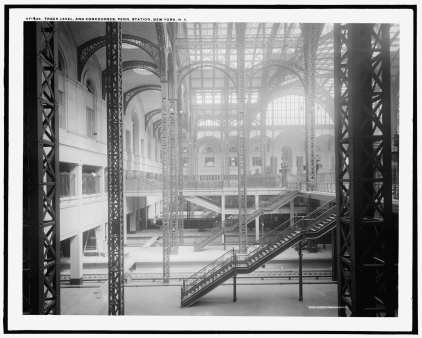 Concourse from Track 6 to North in 1910-15