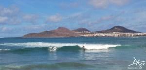 playa-de-las-canteras-las-palmas-surfer.jpg