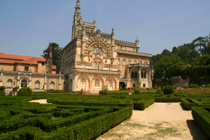 Bussaco Palace, Luso, makes for a lovely day trip in Central portugal. The kids can run around the gardens and there are some walks into the forests nearby.