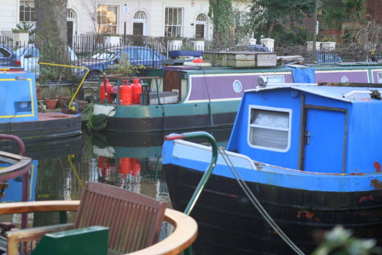canal boats up close and personal - the kids were fascinated by boat life on the Regents Canal in London - a great walk for children, so many interesting things to see.