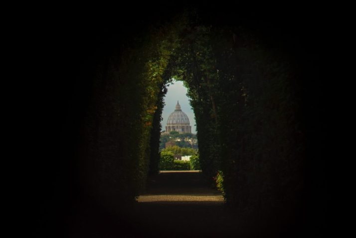 An unmissable hidden gem in Rome - the Aventine keyhole is a bit off the beaten track but a sight worth seeing.