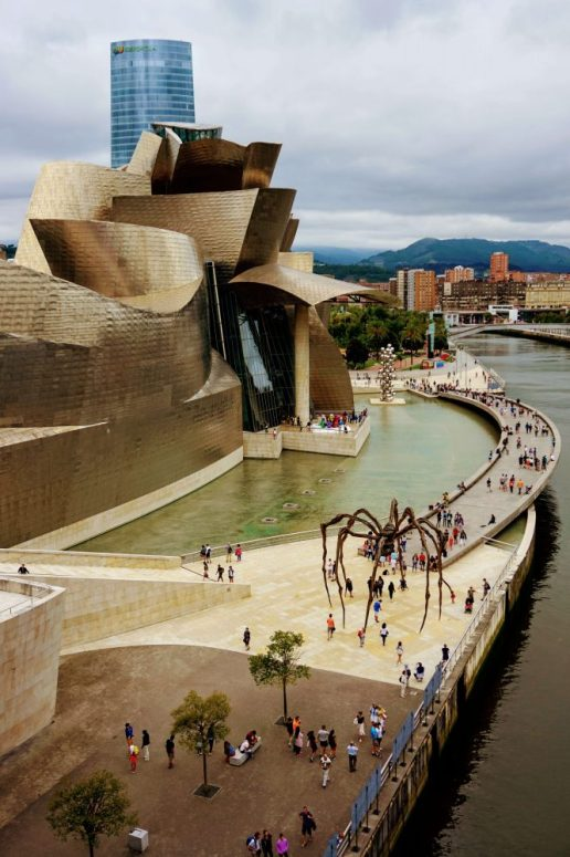 The Guggenheim - one of the top attractions in Bilbao. When you have 2 days in Bilbao with kids what is there to do? You can take the family on a walk around the city, looking at all the smart architecture, or let the children eat pintxos all day - the prefect place to eat with kids in the city, or let them do kiddie things in Bilbao's best parks.