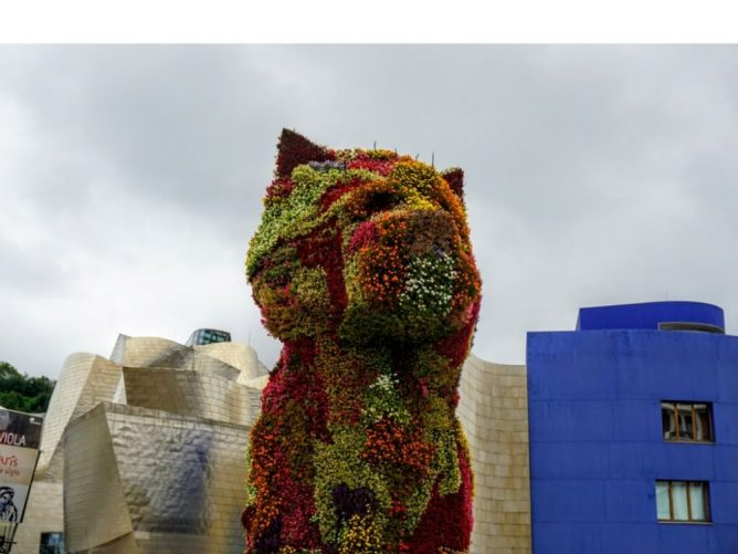 the puppy made of flowers is one of the highlights, tourist spots, of Bilbao