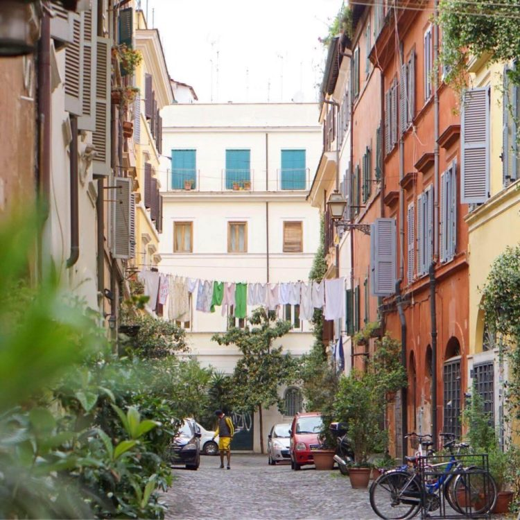 follow our route around rome for a one day itinerary so that you don't miss any of the main sights like Trastevere