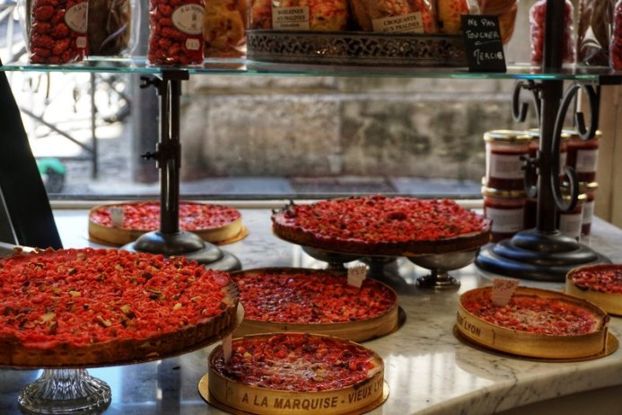 things to do in Lyon - try praline tartes