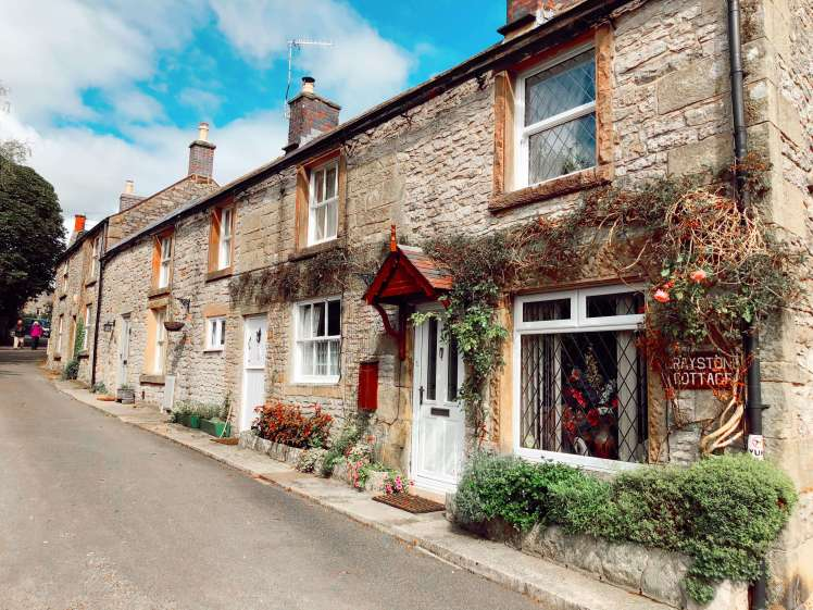 Youlgrave - pretty towns in Derbyshire