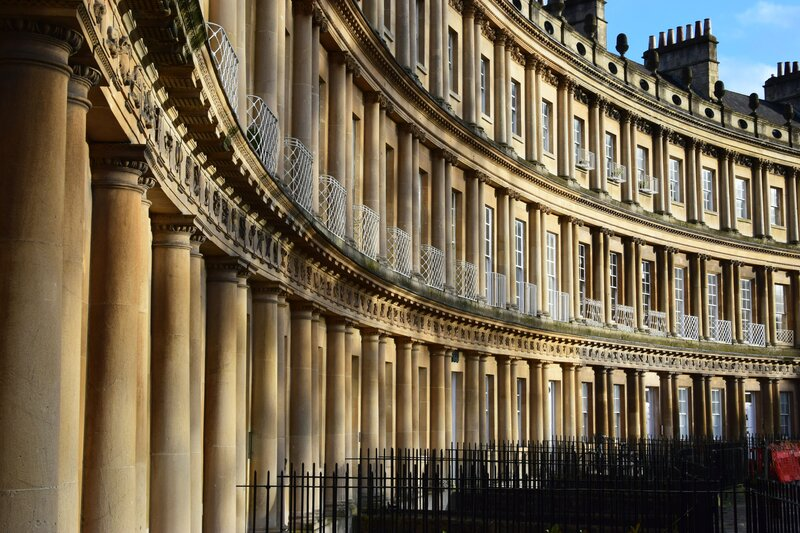 what to see in Bath, UK - the crescents.