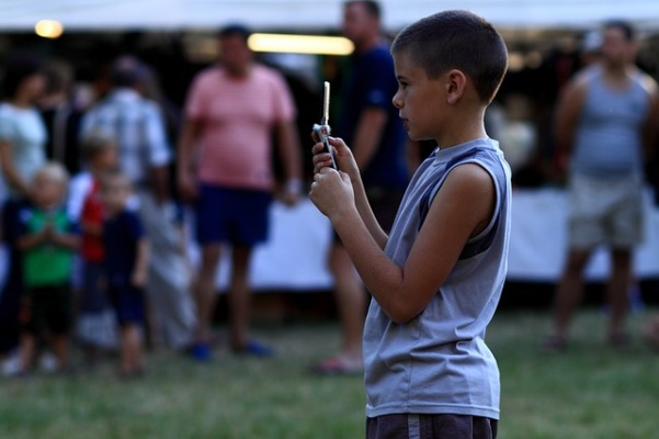 Tips to Help Kids Stay Safe on Smartphones