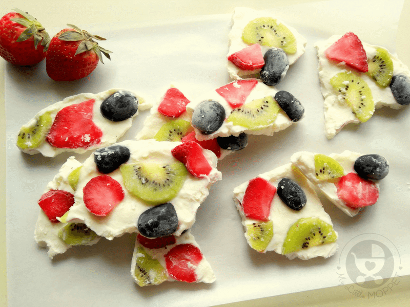 Here's a healthy and nutritious snack recipe that's perfect for summer! Try   out our yogurt bark recipe for kids, packed with calcium-rich yogurt and fresh fruit!