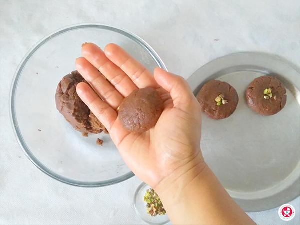 Chocolate Nan khatai recipe