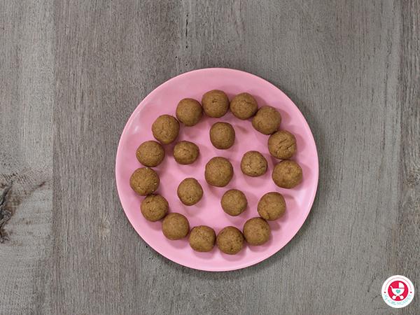 Sooji/Rava Dates Balls [ No Sugar Sweet Recipe for Kids]